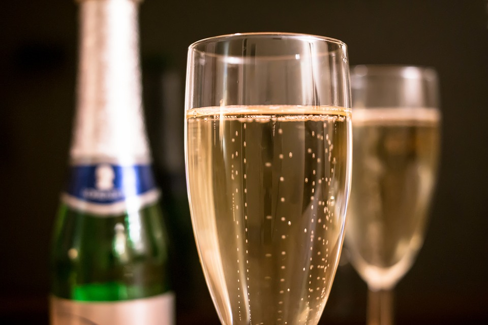20 Champagne Cocktails for New Year's Eve